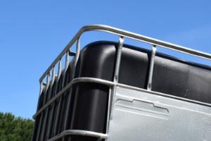 UV-bestendige IBC container met houten pallet