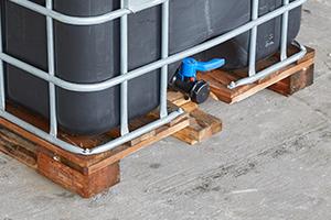IBC tank met houten pallet