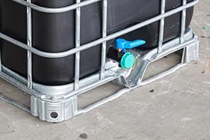 IBC tank met metalen of kunststof pallet